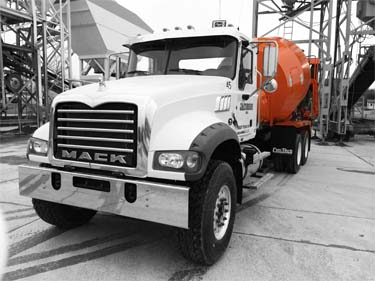 Jacobson concrete / L.A. Jacobson Inc. ready mixed concrete mixer in Pauls Valley, Oklahoma plant